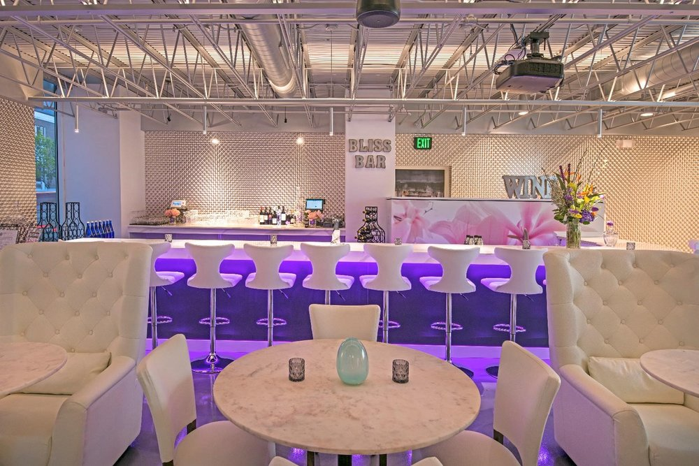 Bliss Bar - Ideal chill space for meeting friends