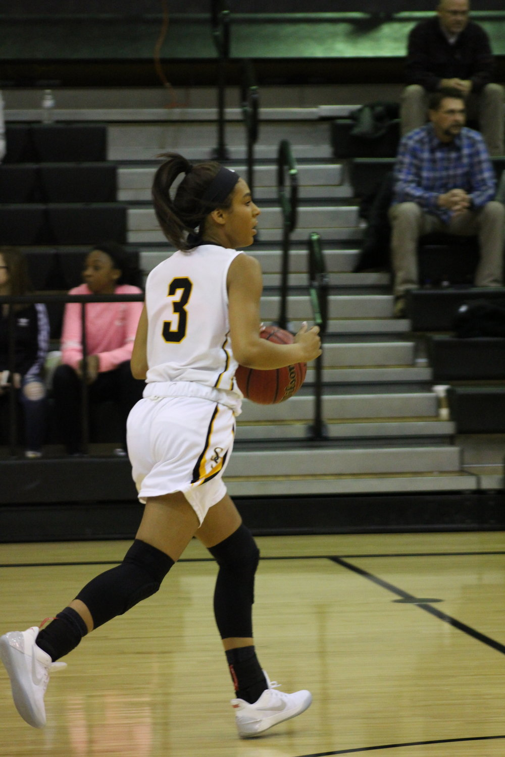 Senior Kierra McGee scored a team-high 16 points for the Sandites in a double-digit victory over Bixby. (Photo: Morgan Miller).