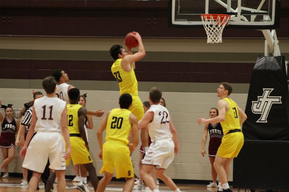 Kyle Keener scored 13 in a game against Jenks this week. (Photo: Morgan Miller).