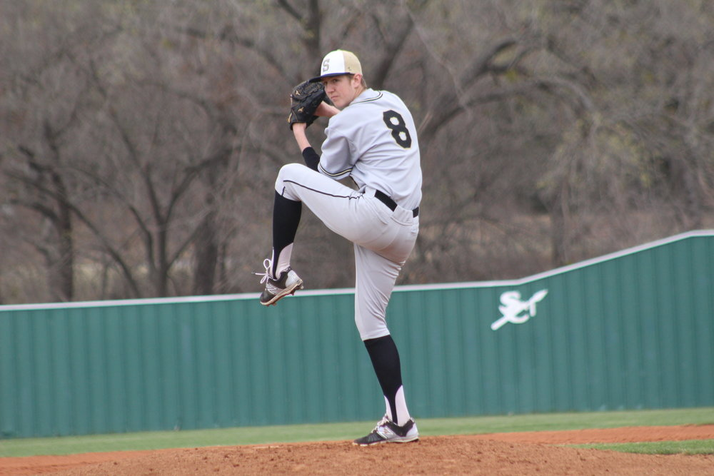 Senior pitcher Josh Cordell struck out six Chieftains in the 1-0 Saturday loss, giving up only two hits. (Photo: Scott Emigh).