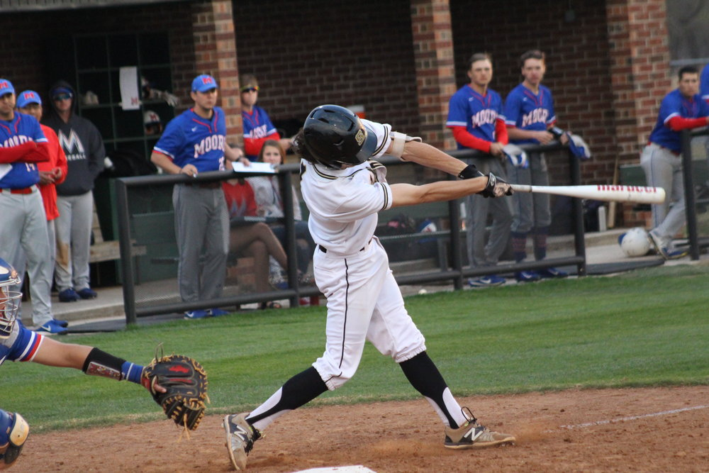 CPHS senior Mack Thompson led the Sandites with three hits and three RBI in a 13-1 run-rule victory at the Bruin Wood Bat Classic. (Photo: Scott Emigh).