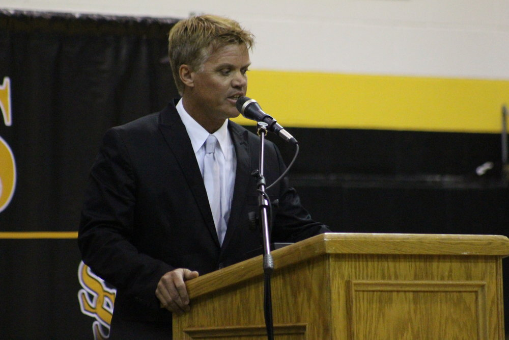 2017 NASA Engineer Tim Wright speaks at his induction into the Sand Springs Education Foundation Hall of Fame