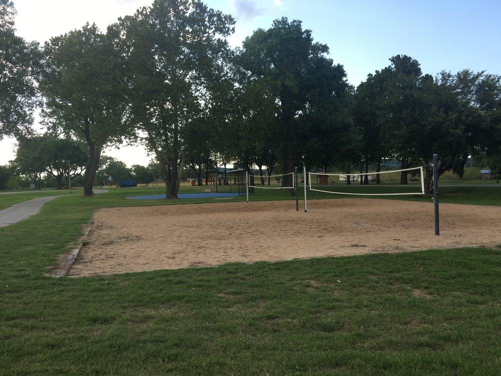 Volleyball courts inside Case Community Park 170811 (Scott Emigh).jpg