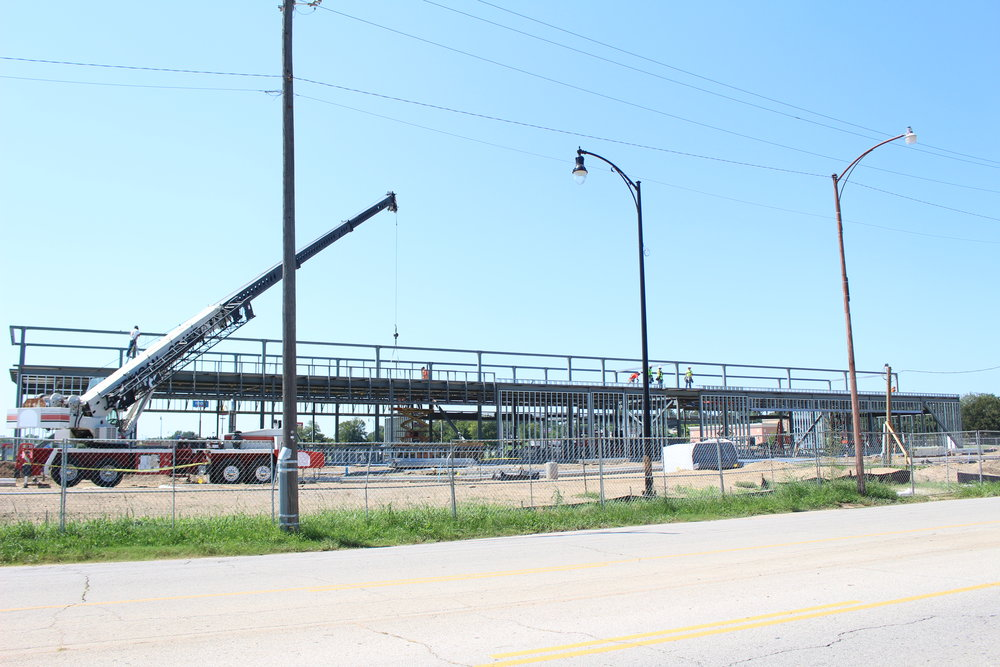 Warren Clinic and Emergency Services construction in River West 170823 (Scott Emigh).JPG
