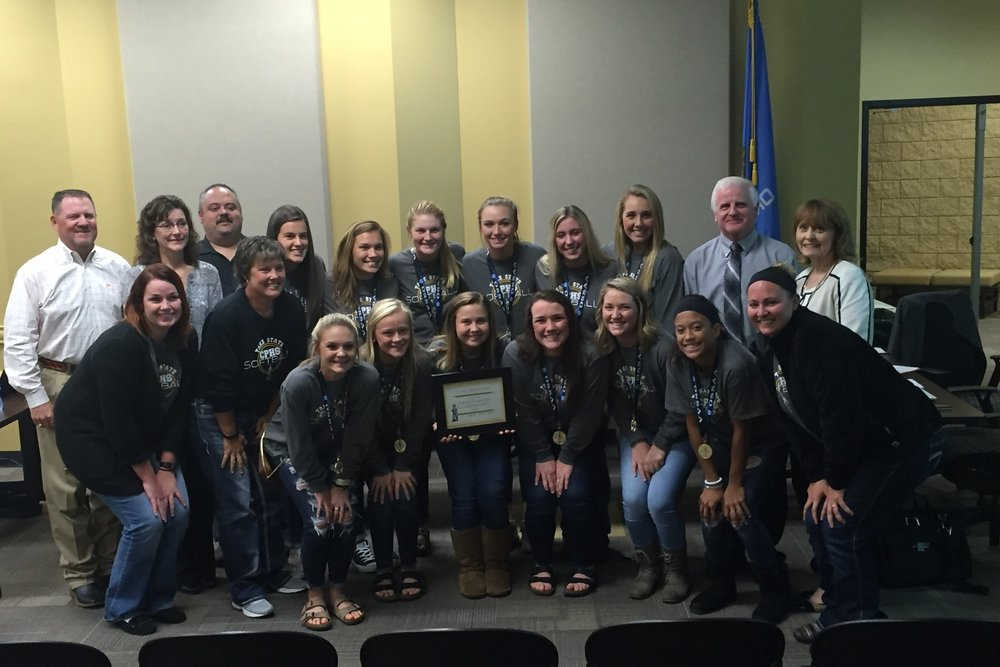 Nov. 07, 2016 The lady sandite fast pitch softball team receives the sandite spirit award in recognition of winning the academic state championship.
