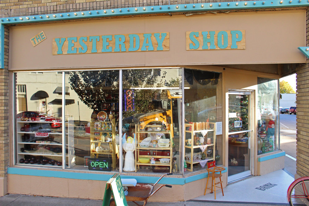 The Yesterday Shop in the historic Paul Building 171115 (Scott Emigh 002.JPG