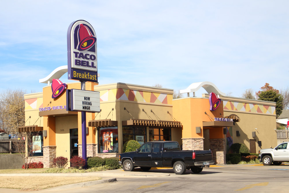 taco bell 305 west 2nd street