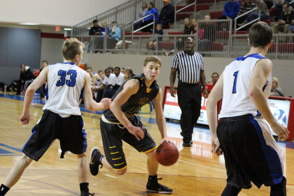Sand Springs senior Colt Savage went off for 34 points in a 72-64 victory over Owasso. (Photo: Morgan Miller).