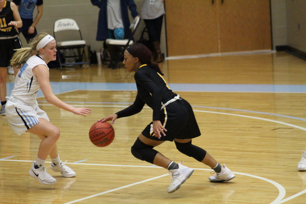 Destiny Johnson looks to score at Bartlesville 180123 (Scott Emigh).JPG