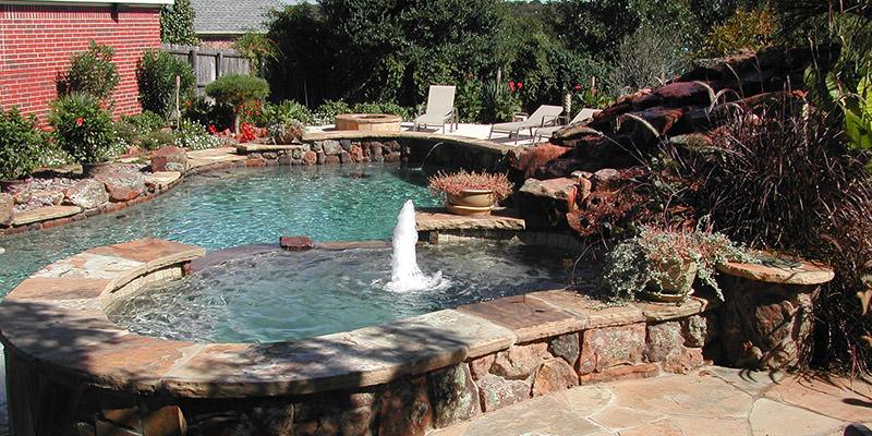 inground-pool-fountain-sm.jpg