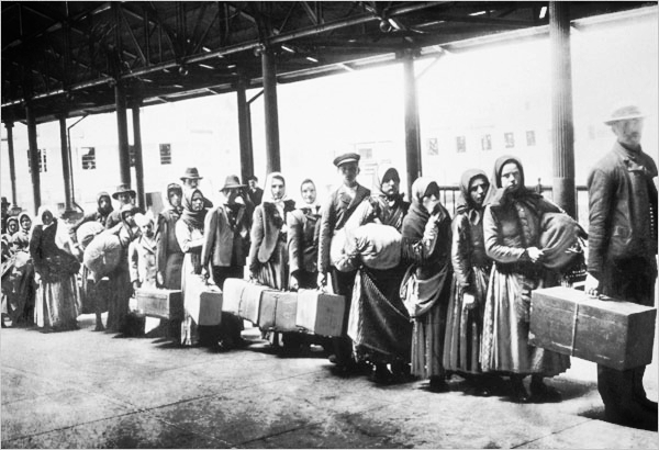 Ellis Island Irish Ships to America 2.jpg