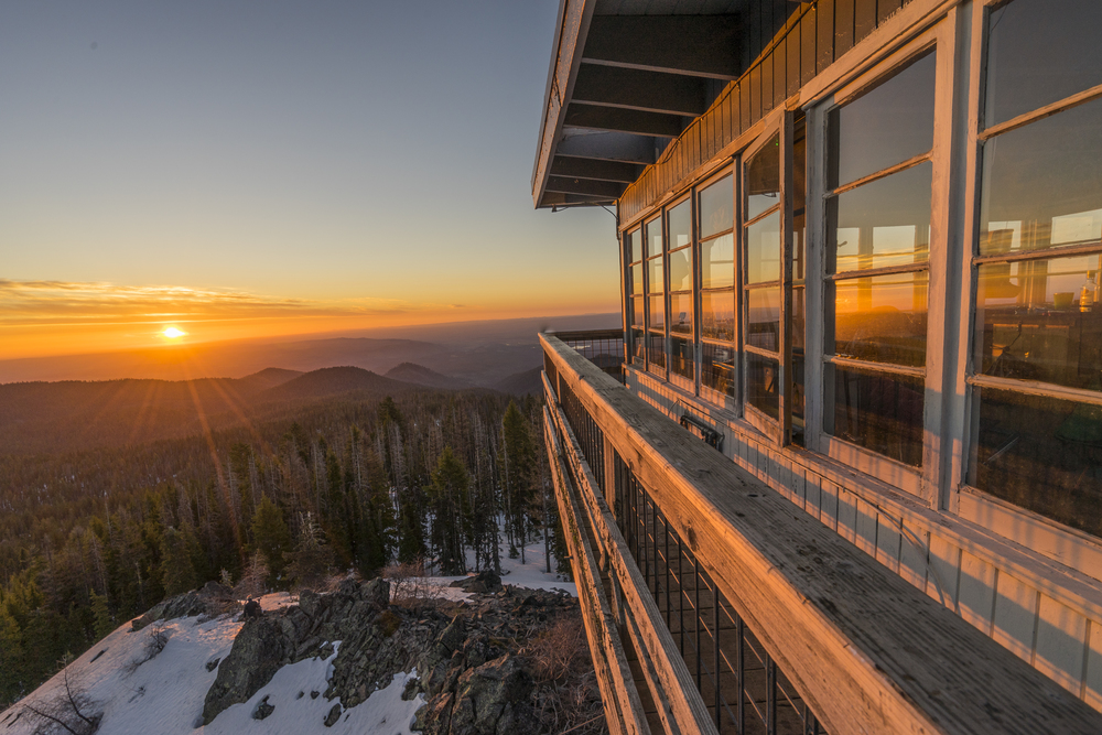 Sunrise from Flag Point lookout tower near Mt Hood.