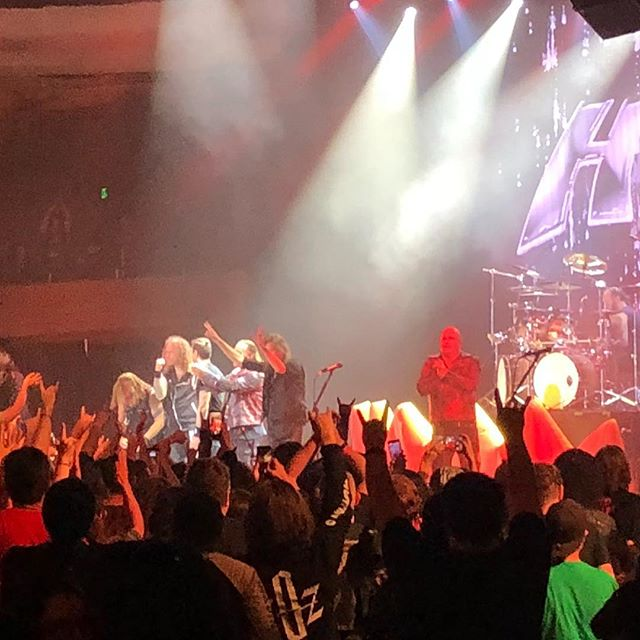 """Helloween put on an absolutely amazing show here reuniting with Kai Hansen and Michael Kiske... I saw them in 2008, so it's been 10 years 😂 Hearing """"Keeper of the Seven Keys"""" in all it's 13+ minute glory was phenomenal 🤘🤣🤘 @helloweenofficial #areyoumetal #pumpkinsunited #hollywood #la #hollywoodpalladium #powermetal #metal #heavymetal #helloween #speedmetal #thosevocalsthough #thoseguitarsthough"""