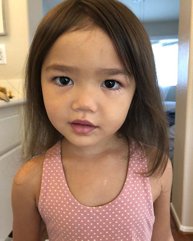 Riley, Princess. She's 3 😫💕👑#threeyearsold #growinguptoofast #socal #daddyslittlegirl #princess #herownprincess