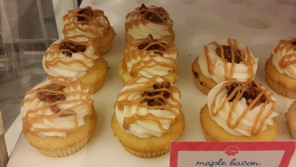 Cako Maple Bacon Cupcakes