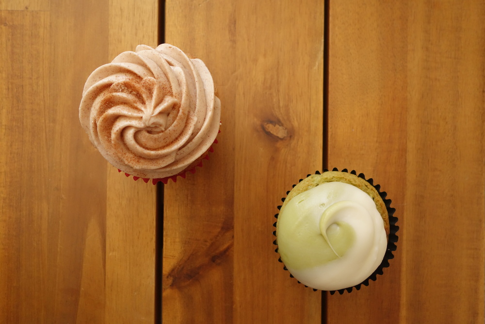Cupcakes by We The Minis. Churro (Left) & Matcha Green Tea (Right).