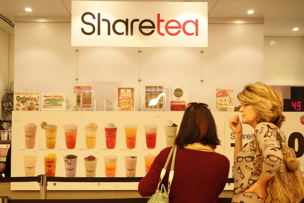 Customers at Sharetea Metreon in SF