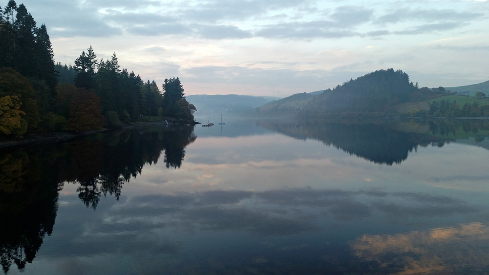 A Light mist settles over Lake Vyrnwy