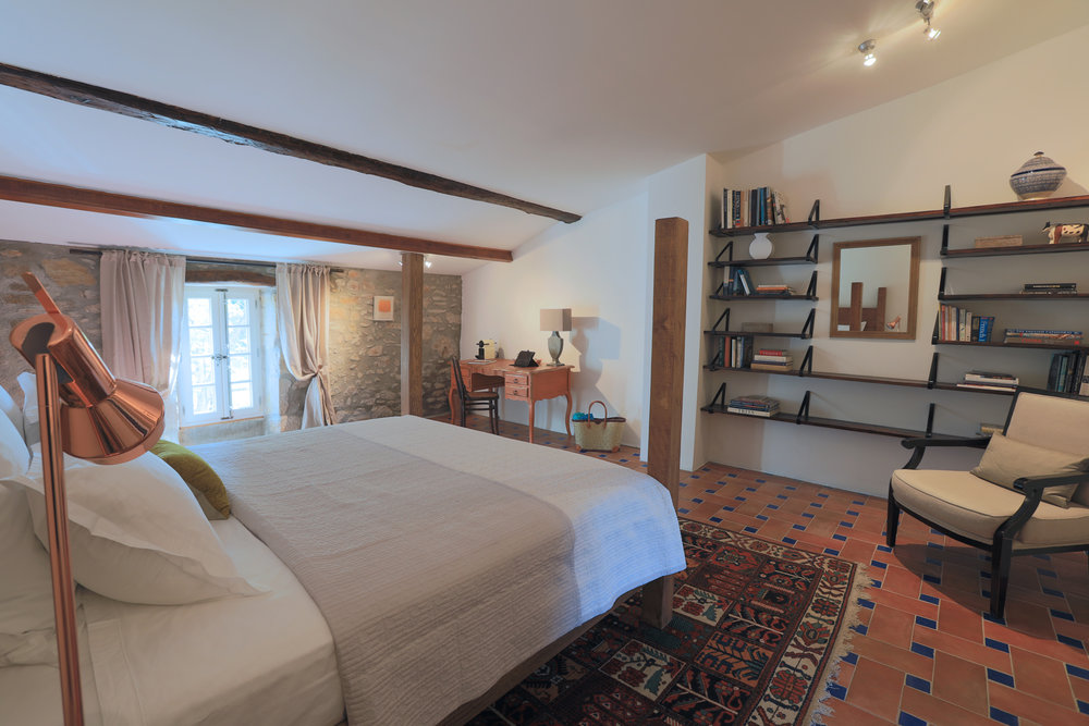 Salagou bedroom
