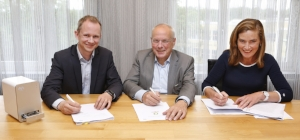 130618 CONTRACT ONDERTEKENING 01.jpg