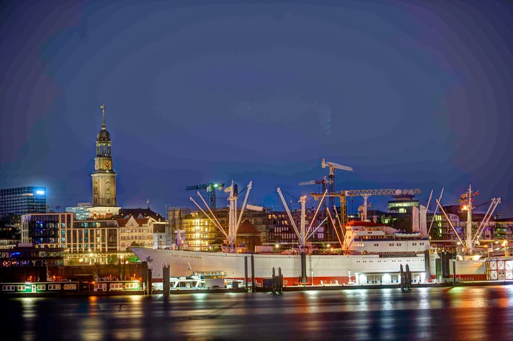 HDR Hafen 8.8.14 4.jpg