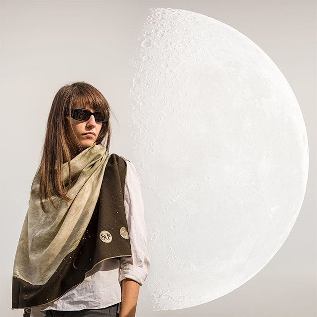 I see the moon and the moon sees me... Extra large La Lune wool twill scarf - perfect for the autumn frisson. https://si.je #sijeveux #sijeveuxlondon #wool #wooltwill #print #moon #lalune #scarf #unique #giftideas #gift #autumn #frisson #big #happy #fashion #apparel #london #londonstreetstyle #londonfashion #chic #accessories #warm