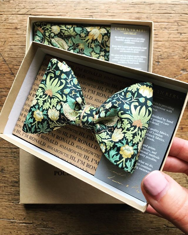 Ronald Liberty print self tie bow tie and pocket square set - Autumn ready 🍂🍁 . . . . #bowtie #handkerchief #pocketsquare  #mensaccessories #menstyle #mensfashion #groomstyle #weddingstyle #weddingdetails