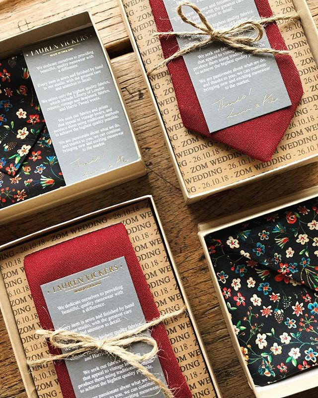 Still shopping for presents? Our handmade accessories will put a smile on any dapper chap's face! 🎄 . . . . #mensaccessories #suitstyle #shoppingformen #menstyle #pocketsquare #skinnytie