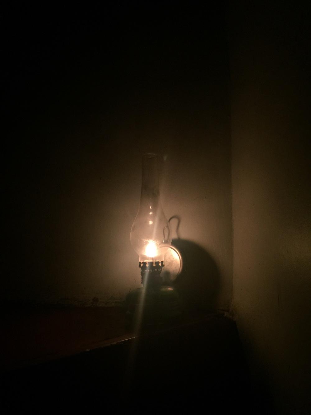 Elektrikler kesildi sehirde mazeretim vardı yarına yetişmeyen ödevlere ....