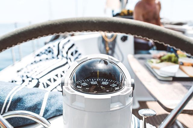210 degrees to cheese 🙏🏻 #sailing #boatlife #aimtrue #mediterranean #wanderlust #saltlife #spreadlove #nourish #galley #ocean #sea #sun 📷 @maximillius #captainandcharlie