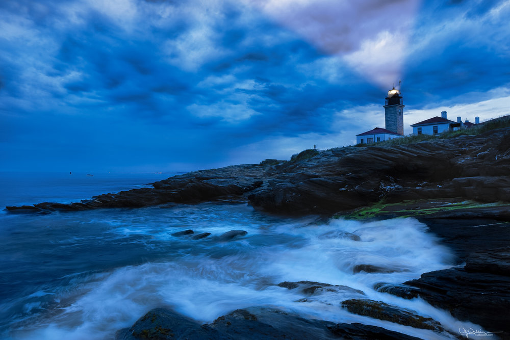 Beavertail Lighthouse - Dusk