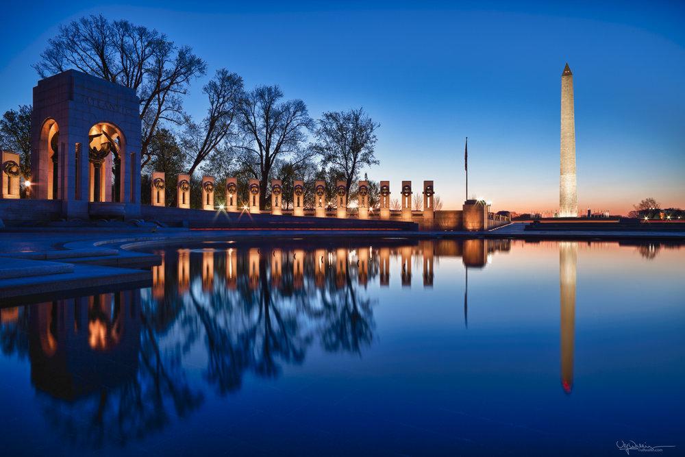 WW II Memorial at dawn