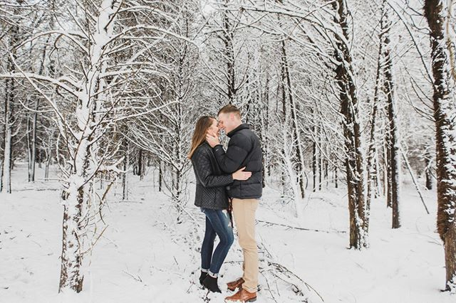 When it snows in VA on the second day of spring, and you have super cute neighbors...this is what you do 💕⠀⠀⠀⠀⠀⠀⠀⠀⠀ •⠀⠀⠀⠀⠀⠀⠀⠀⠀ •⠀⠀⠀⠀⠀⠀⠀⠀⠀ •⠀⠀⠀⠀⠀⠀⠀⠀⠀ •⠀⠀⠀⠀⠀⠀⠀⠀⠀ •⠀⠀⠀⠀⠀⠀⠀⠀⠀ #engagementsession #engagementphotos #esession #engagementshoot #shesaidyes #engagementphotographer #engagementphotography #engagement #engaged #junebugweddings #soloverly #isaidyes #theknot #photobugcommunity #ido #greenweddingshoes #shootandshare #bridetobe #elopementphotographer #weddingphotographer #destinationweddingphotographer #risingtidesociety #destinationwedding #stylemepretty #ohwowyes #dcweddingphotographer #vaweddingphotographer #fredericksburgweddingphotographer