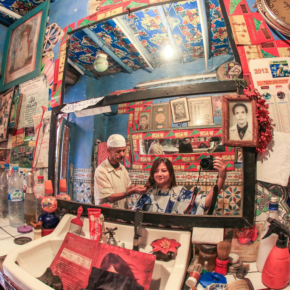 Numa barbearia em Marrakesh