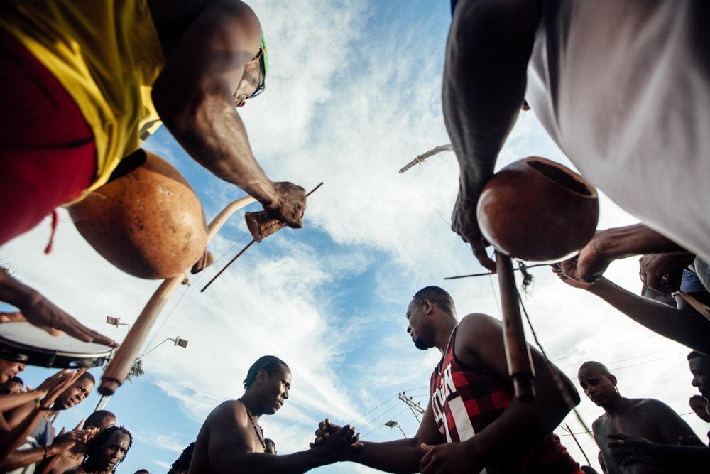 roda de capoeira no dia de Iemanjá, Rio Vermelho em Salvador