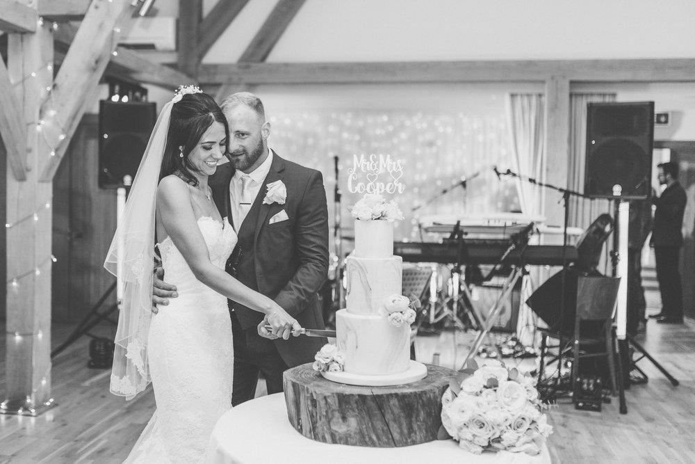 cambridge wedding meadowsweet cakes.jpg