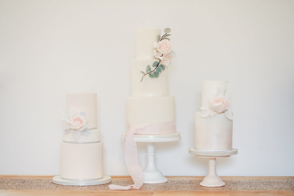 Designer wedding cakes, dessert table design by Hertfordshire wedding cake company Meadowsweet Cakes