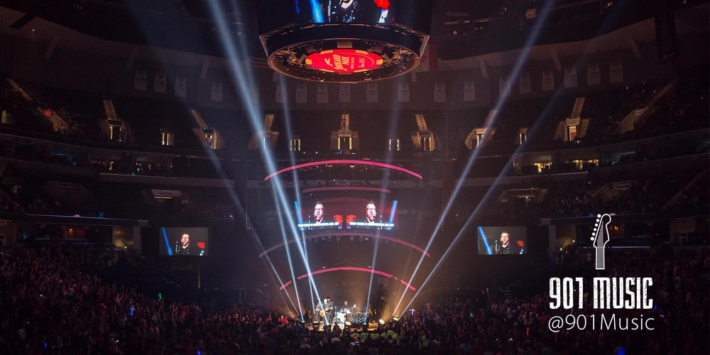 NewSong.   WinterJam Memphis 2015.   Photo:  @TimGSimpson