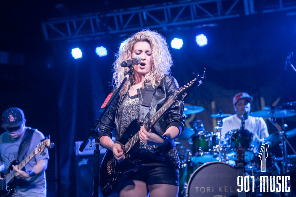 na-0616-ToriKelly-15.jpg