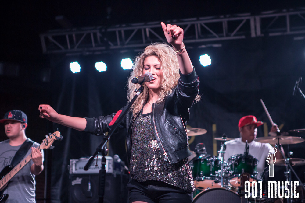 na-0616-ToriKelly-21.jpg