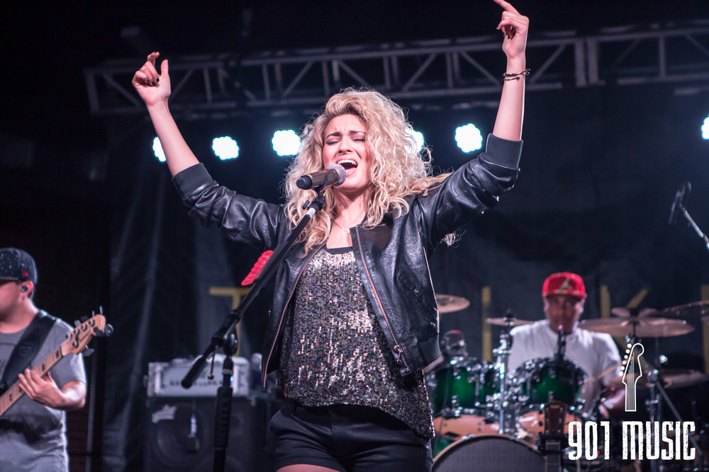 na-0616-ToriKelly-23.jpg