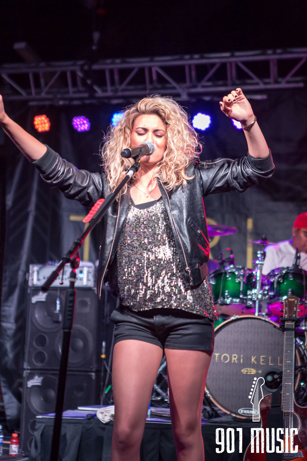 na-0616-ToriKelly-24.jpg