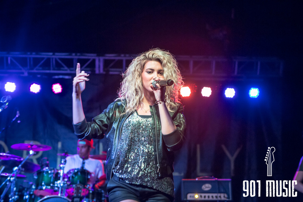 na-0616-ToriKelly-26.jpg