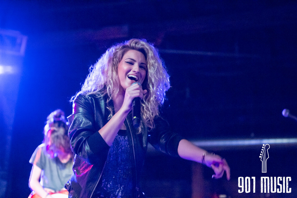 na-0616-ToriKelly-29.jpg