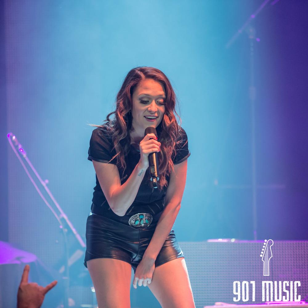na-1009-Miranda Lambert-4.jpg