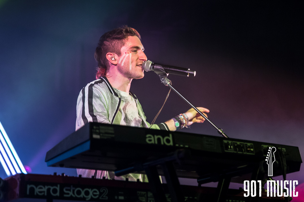 na-1020-2015-Walk The Moon-24.jpg
