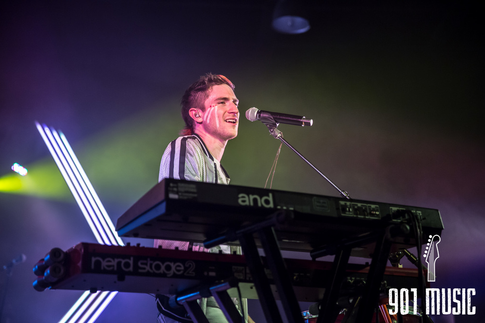 na-1020-2015-Walk The Moon-26.jpg