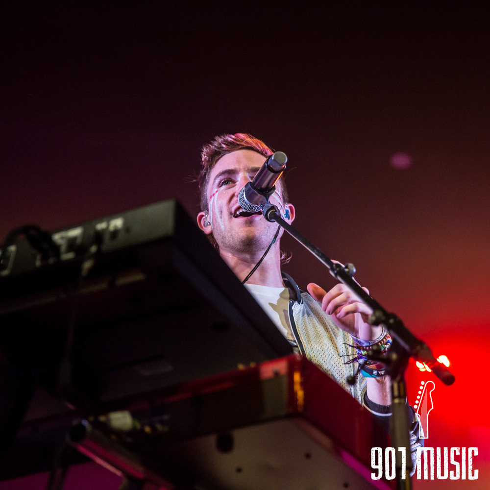 na-1020-2015-Walk The Moon-39.jpg