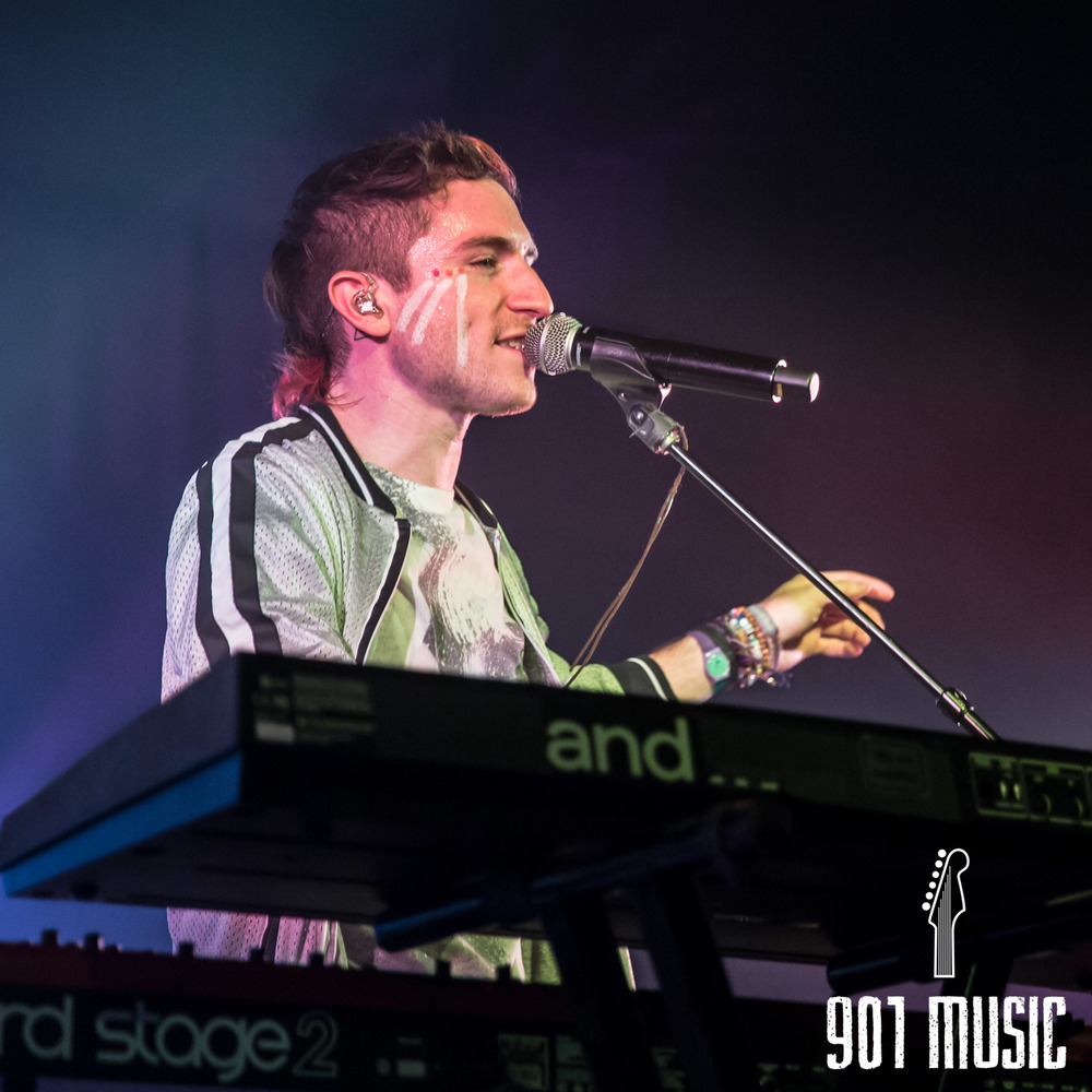 na-1020-2015-Walk The Moon-40.jpg