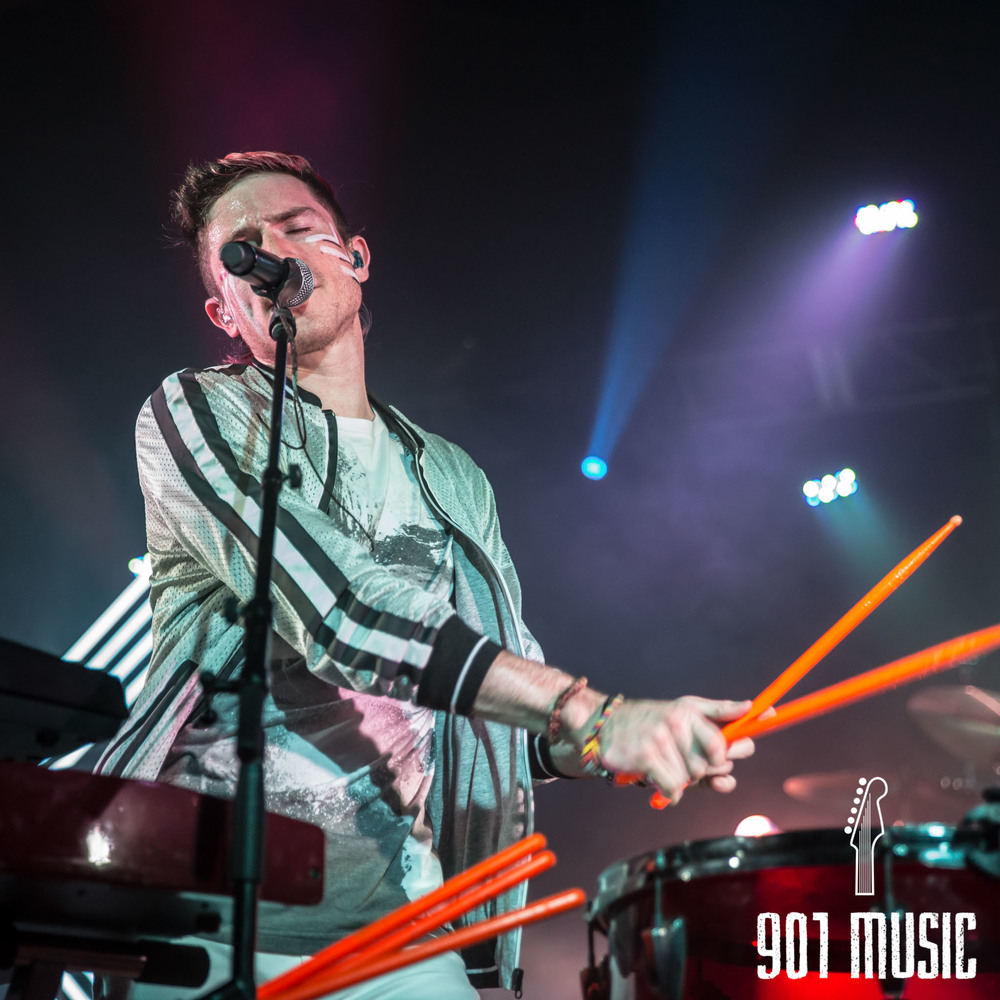 na-1020-2015-Walk The Moon-44.jpg